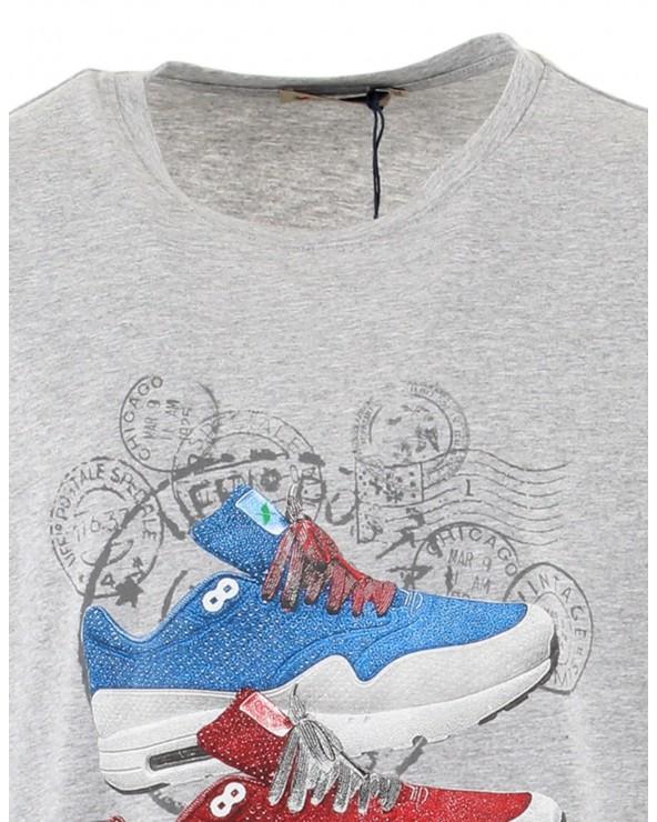 T-shirt baskets