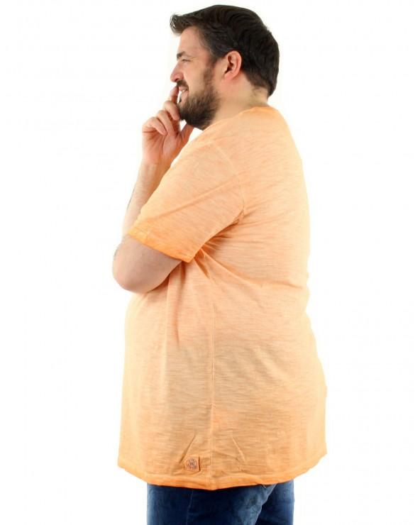 T shirt dépigmenté